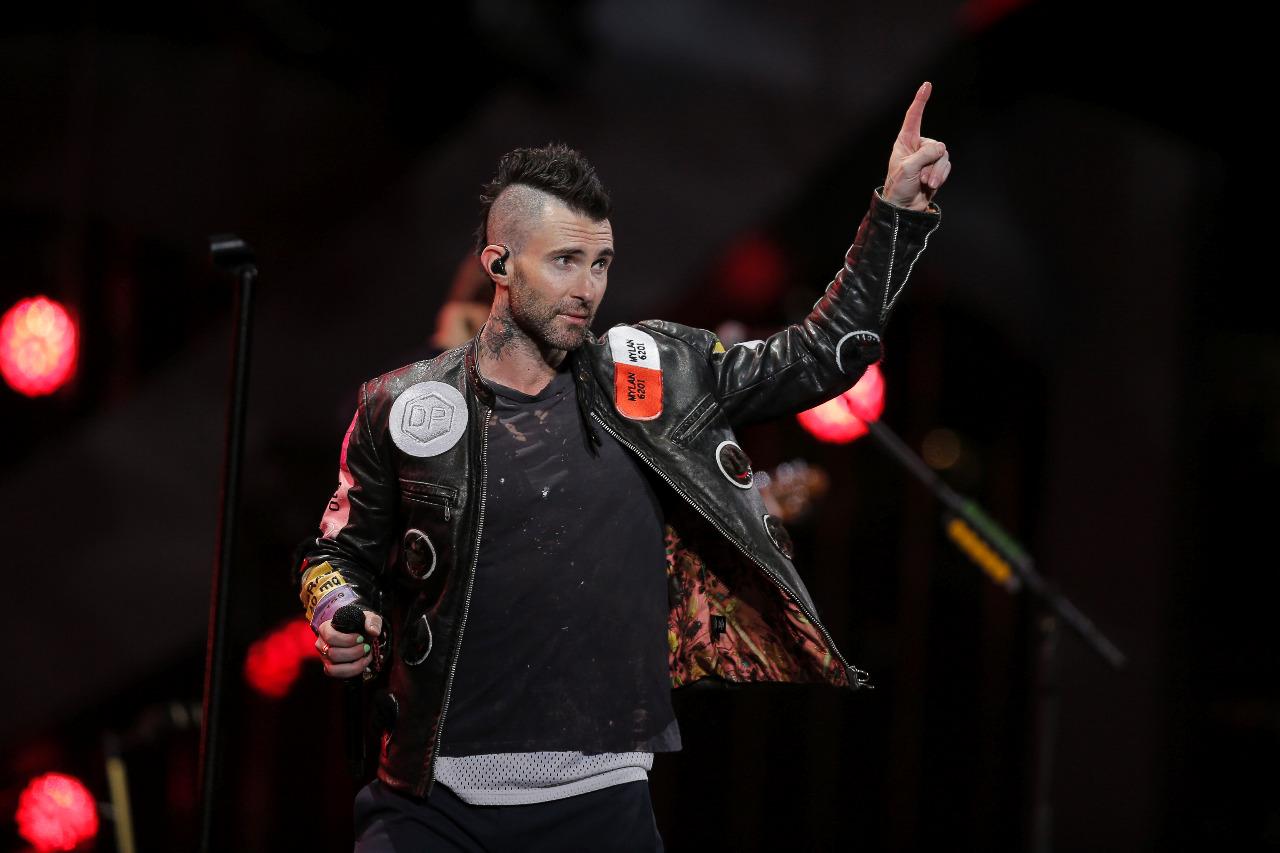 Adam Levine durante show no Chile. (Foto: Javier Torres/AFP)
