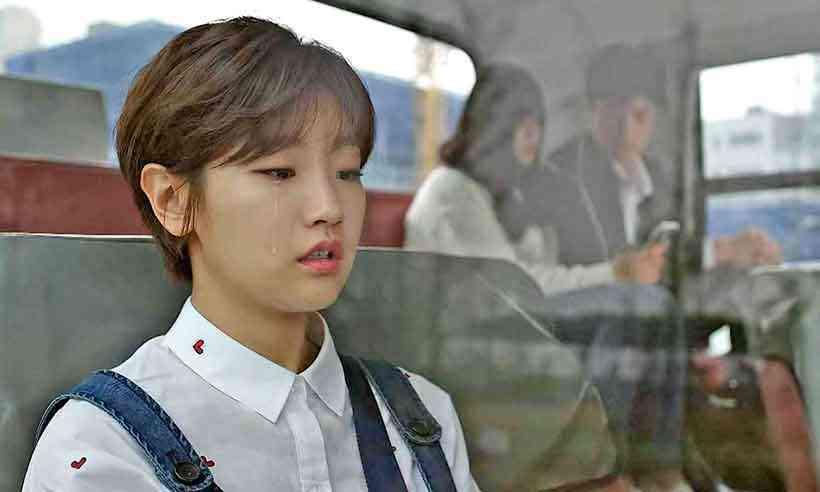 So-dam Park, que interpreta a caçula trambiqueira em Parasita, é a boa garota do k-drama Cinderela e os quatro cavaleiros (Foto: Netflix/Divulgação)