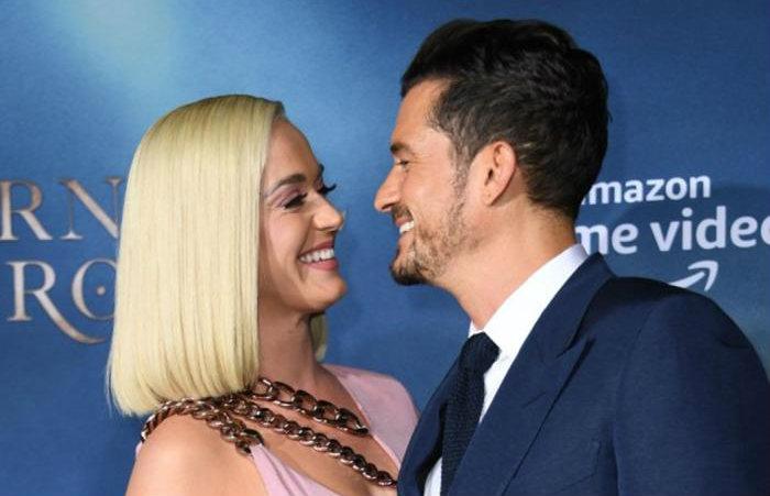 De acordo com a revista, o casal já avisou aos convidados sobre a alteração da data da cerimônia. (Foto: AFP)