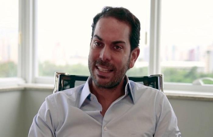 O empresário Cláudio Henrique do Vale Vieira será processado por descumprir recomendações médicas (Foto: Reprodução)