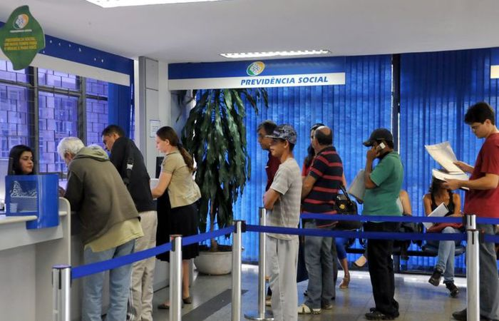 Por maioria, a Câmara e o Senado decidiram que o BPC deveria ser pago a famílias com renda de até meio salário mínimo (R$ 522,50) por integrante (Foto: Antonio Cruz/Agência Brasil)