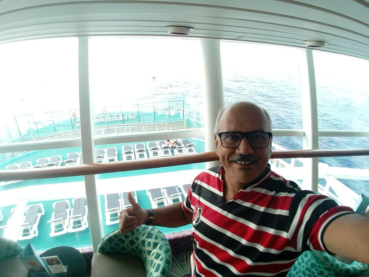 Pernambucano, Celino Melo embarcou em um cruzeiro para Portugal no dia 4 de março (Acervo pessoal/Cortesia)