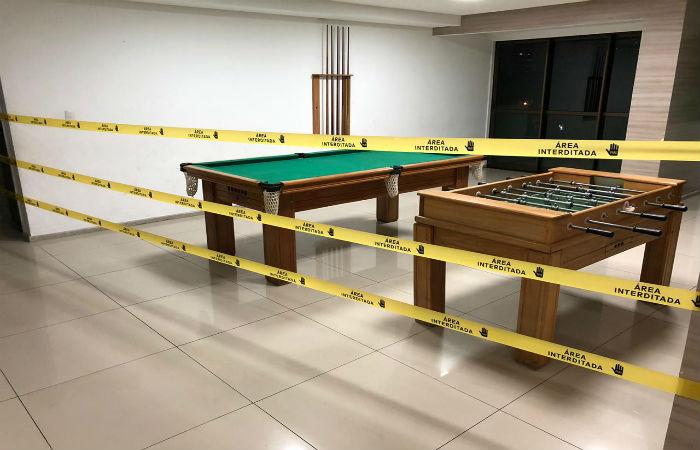 Brinquedotecas e áreas de lazer de vários condomínios estão isoladas (Foto: Williams Andrade)