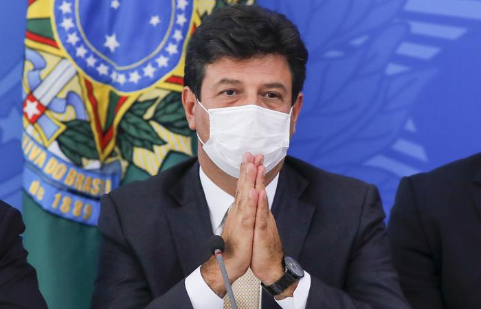 """""""É fake news a informação que temos um comprimido que toma e sara. Não tem"""", ressaltou o ministro (Foto: Sergio Lima/AFP)"""
