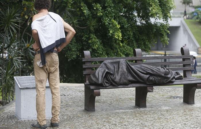 Pessoas em situação de rua, com deficiência e idosos são alvos. (Foto: Fernando Frazão/ Agência Brasil)
