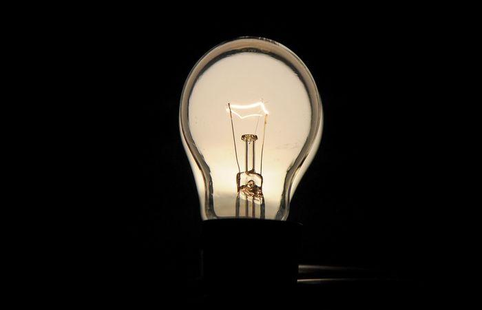 A partir de hoje, distribuidoras não poderão cortar luz do consumidor. (Foto: Marcelo Casall Jr/ Agência Brasil )