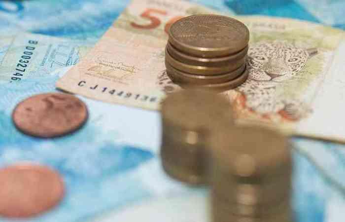 A projeção do BC pata o PIB de 2020 foi rebaixada de 2,2% para 0%, próximo da previsão oficial do governo, que caiu de 2,1% para 0,02%. (foto: Ilton Rogerio/Getty Images/iStockphoto)