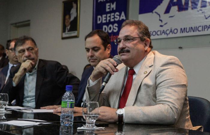 Eriberto Medeiros enviou orientação aos gestores municipais (Foto: Nando Chiappetta/Alepe)