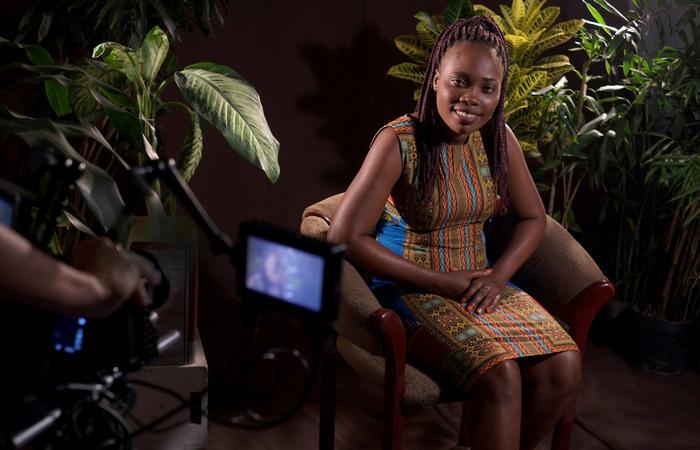 Ruth Mariana, a atriz refugiada da Angola, compartilhará a sua história de vida em um dos episódios.  (Foto: Divulgação)
