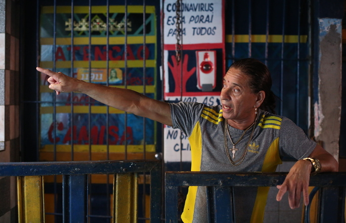 Silvino Gomes, barbeiro do Mercado de Areias. (Foto: Hesíodo Goes/Esp. DP)