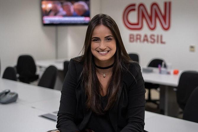 Apresentadora do Live CNN Brasil vai comandar o programa direto da sua casa  (Foto: CNN/Divulgação )