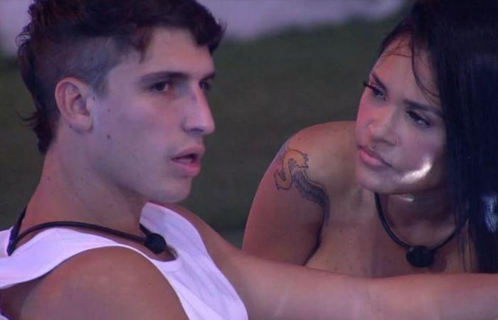 Ela também foi escolhida por Mari, enquanto Manu chamou Rafa para a defesa. (Foto: Reprodução/Rede Globo)