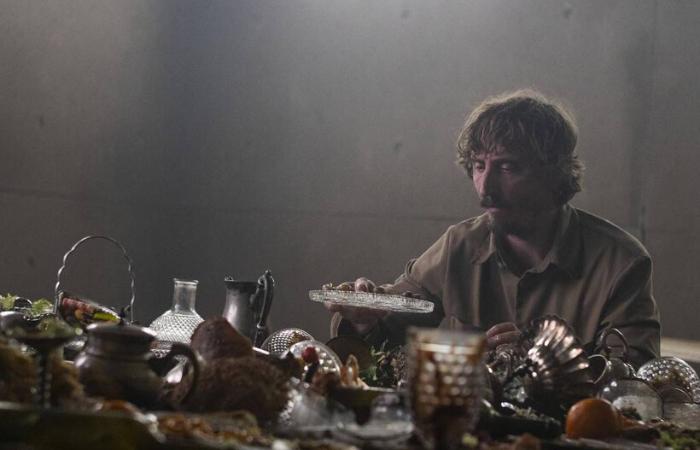 Diretor comenta ideia por trás de 'O Poço', filme popular entre ...
