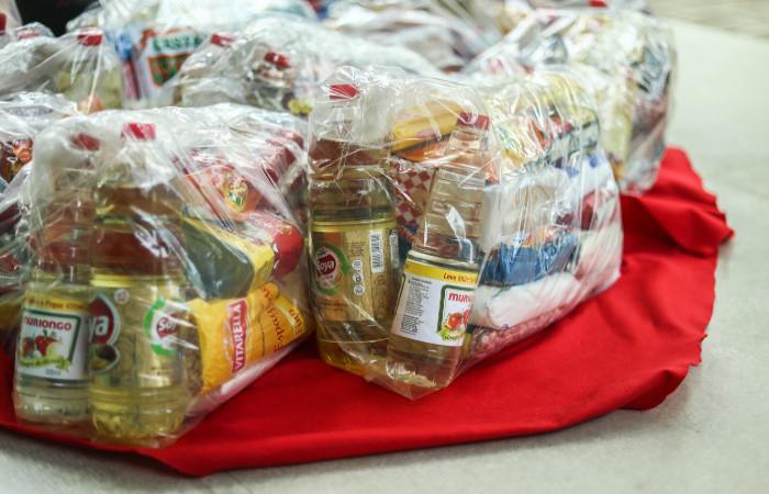 Em média, uma cesta básica custa R$ 70. (Foto: Camila Pifano/Esp.DP)
