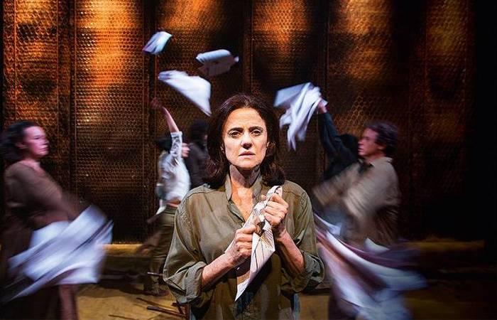 Uma das obras mais aclamadas do acervo é Incêndios, que conta com a atuação de Marieta Severo. (Foto: Divulgação)