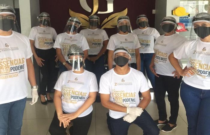 Equipe do 2° Tabelionato de Notas e Protestos de Jaboatão dos Guararapes (Foto: Divulgação)