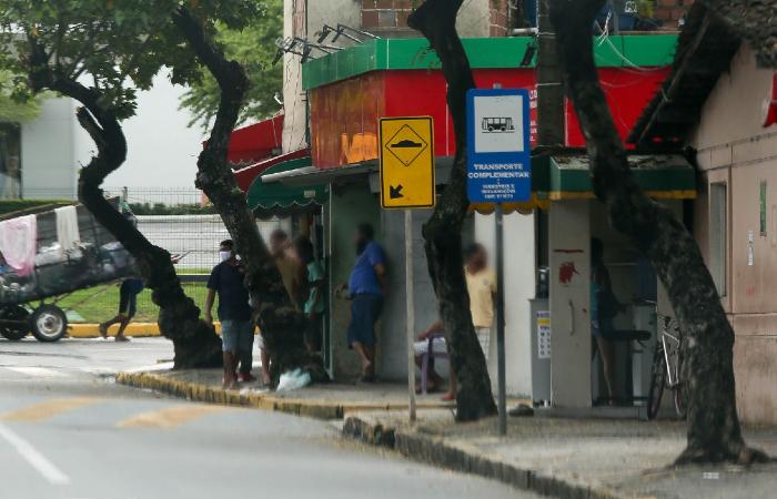 Algumas aglomerações ainda são vistas pela Entra Apulso. (Foto: Leandro de Santana/Esp. DP.)
