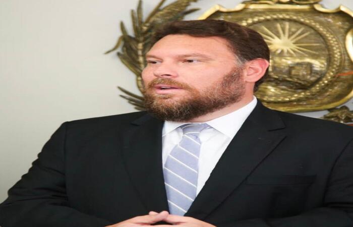 (O deputado concordou em retirar PEC depois do presidente da Alepe garantir que o recesso será cancelado. Foto: Wesley D'Almeida/Divulgação)