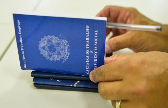 Foram 1.459.099 desligamentos e 598.596 contratações. (Foto: Marcello Casal Jr/Agência Brasil)