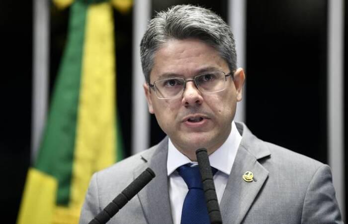 O senador Alessandro Vieira (Cidadania-SE) é o autor do projeto de lei (Foto: Pedro França/Agência Senado)