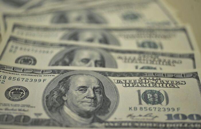 A moeda norte-americana encerrou o dia cotada a R$ 5,21 (Foto: Marcello Casal Jr./Agência Brasil)