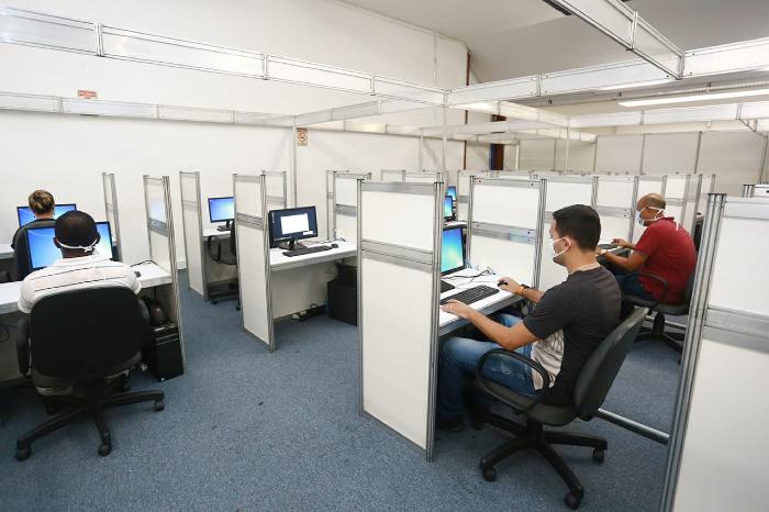 A Central de Regulação de Leitos do estado (foto) organiza o acesso aos leitos. (Foto: Governo de Pernambuco/Divulgação)