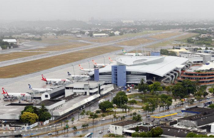 Aeroporto do Recife passa de 19 voos diários em maio para 32 em junho. (Foto: Paulo Paiva/Arquivo DP)