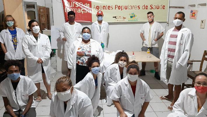 A iniciativa já formou cerca de 500 agentes em bairros como Peixinhos, Brasília Teimosa, Ibura e Várzea  (Foto: Arquivo Pessoal/Divulgação)
