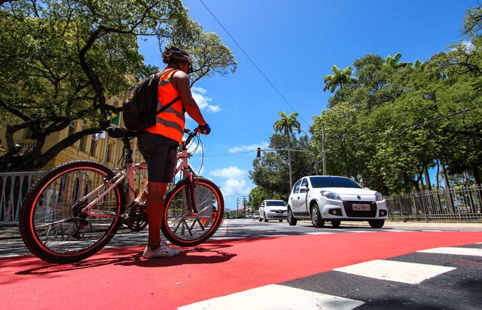 Estrutura da cidade precisa ser suficiente para oferecer segurança e mobilidade aos ciclistas (Paulo Paiva / DP FOTO)