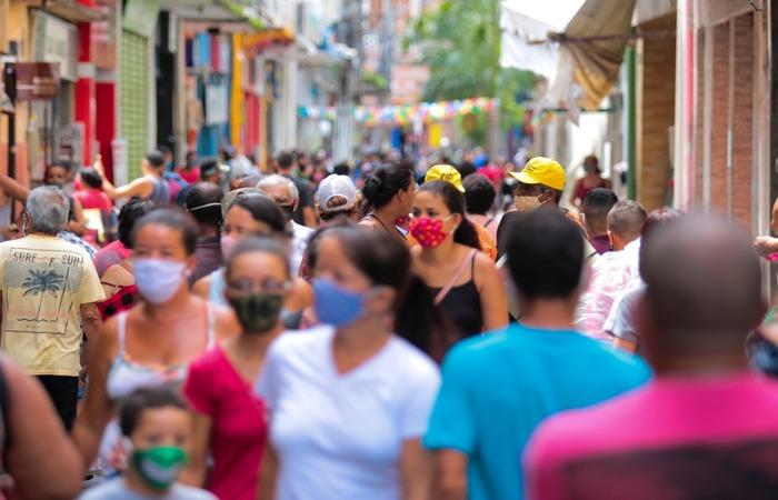 Segundo a CDL-Recife, fluxo representou entre 30% e 40% de um dia normal antes da pandemia. (Foto: Tarciso Augusto/Esp. DP)