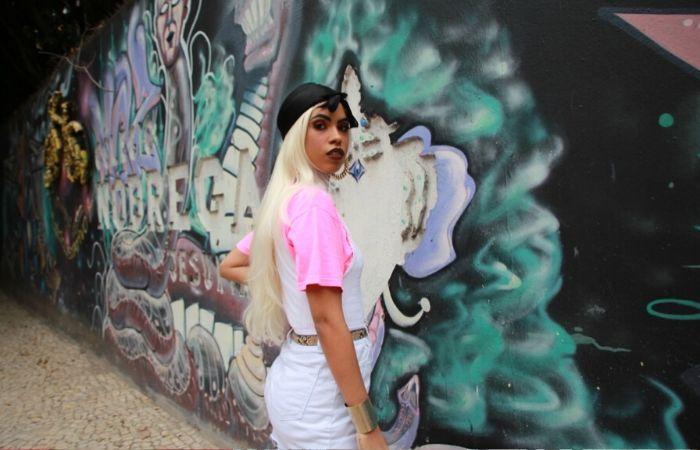 Ororo, nome artístico de Lorenna Britto, 22, mora no bairro da Encruzilhada (Foto: HoodCave/Divulgação)