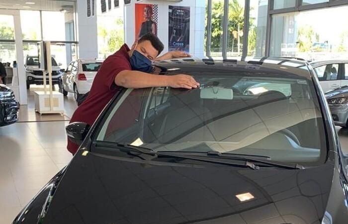 Veículo foi prometido ao ator enquanto ainda estava no BBB 20 (Foto: Reprodução/Instagram)