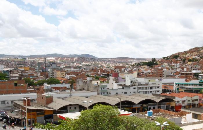 Caruaru (foto) e Bezerros terão quarentena rígida até 5 de julho. Medida pode ser estendida a outras cidades do Agreste. (Foto: Ricardo Fernandes/Arquivo DP.)
