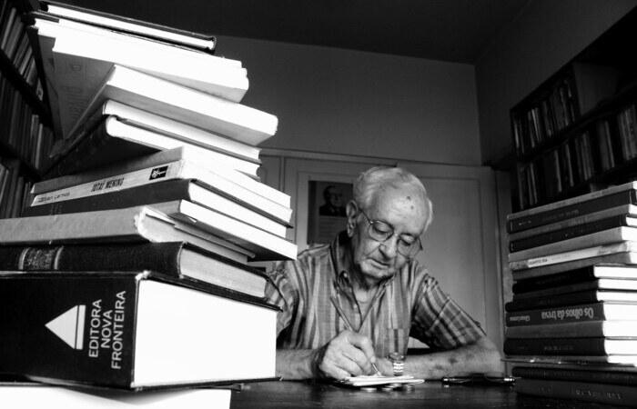 Gilvan Lemos ocupou a cadeira número 26 da Academia Pernambucana de Letras (Foto: Divulgação)
