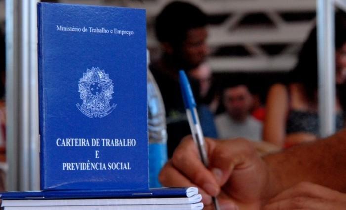Em Pernambuco, o número de demissões chegou a 23.839, o segundo maior do Nordeste, enquanto 16.887 pessoas foram empregadas. Uma variação negativa de 0,59% (-6.952 postos formais) (Foto: Marcello Casal Jr /Agência Brasil)