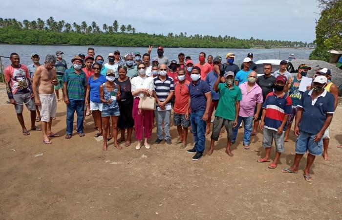 Associação de pescadores relata ação de empreiteira contra a permanência dos trabalhadores em terreno que ocupam desde 2003 (Foto: APBJ / Divulgação)