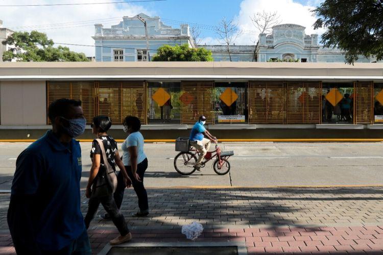 Estações centrais do BRT com embarque e desembarque também foram implementadas (Tarciso Augusto/ DP Foto)
