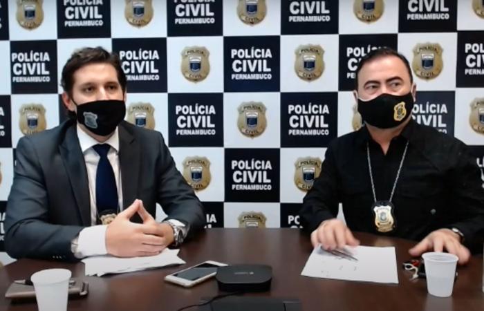Delegado Ramon Teixeira e o perito André Amaral, durante coletiva virtual sobre o caso, nesta quarta (1). (Foto: Reprodução/Polícia Civil.)