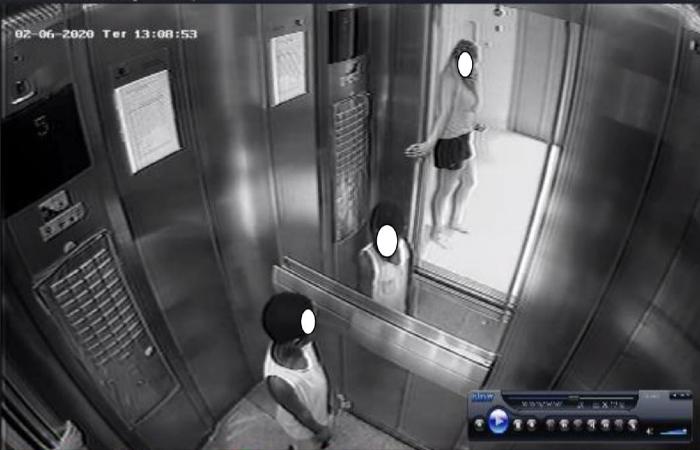 Um dos momentos em que Miguel entra no elevador e Sarí tenta tirar o menino. Este, ocorrido no elevador social. (Foto: Reprodução/Polícia Civil.)