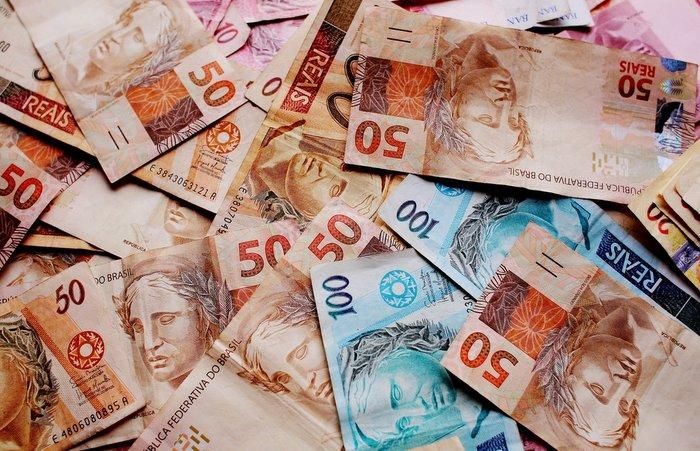 Dos quase R$ 70 bilhões anunciados para quatro grandes linhas, apenas R$ 12,1 bilhões foram executados. (Foto: Pixabay / Reprodução)