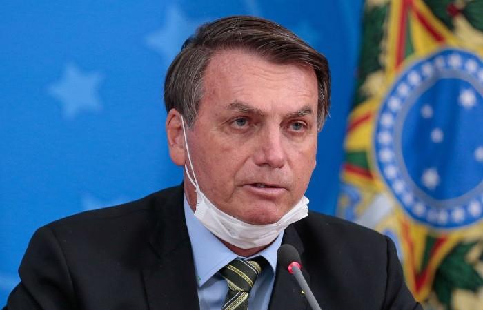 O jornal Folha de S. Paulo publicou reportagem neste domingo (5) sobre movimentações financeiras no gabinete de Bolsonaro quando era deputado (Foto: Carolina Antunes / PR)
