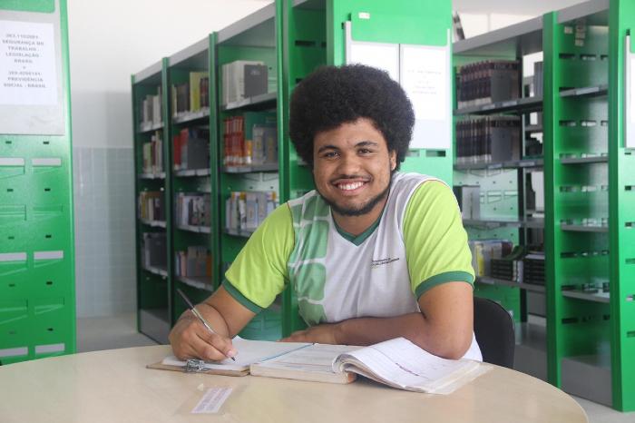 João Revoredo, do IFPE de Garanhuns, preferia que Enem fosse em maio de 2021. (Foto: IFPE/Divulgação)