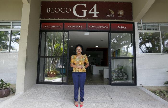 Pró-reitora de Pesquisa e Pós-graduação Valdenice Ramuindo aponta 10 programas  (Foto: Leandro Santana/ Esp DP)