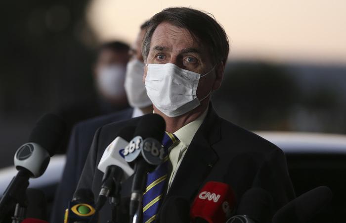 PSOL diz que que Bolsonaro minimizou a Covid-19 e desrespeitou repetidamente as regras de contenção da doença, como isolamento social e uso de máscara. (Foto: Marcello Casal Jr/Agência Brasil. )