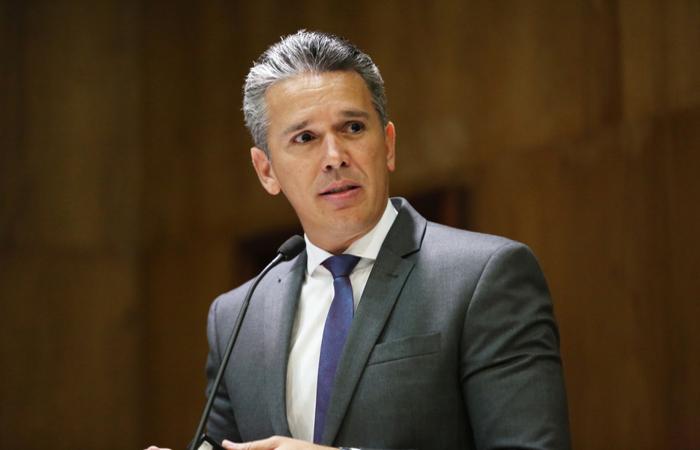 (A reunião foi intermediada pelo deputado Felipe Carreras. Foto: Hesiodo Goes/Divulgção)