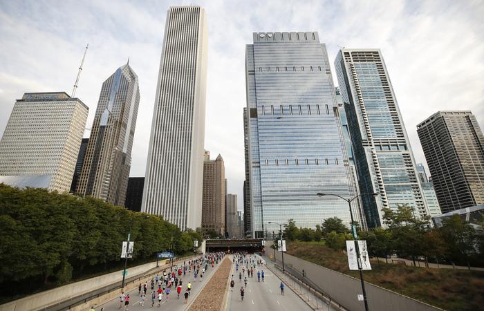 A Maratona de Chicago é uma das seis maiores do mundo (Foto: Kamil Krzaczynski/AFP)