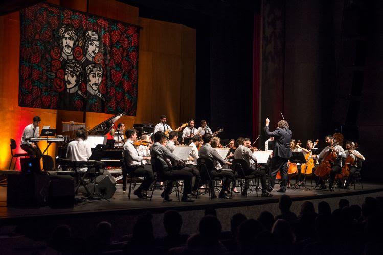 Orquestra Ouro Preto durante concerto em Belo Horizonte (Foto: Íris Zanetti/Divulgação)