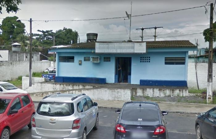 Possíveis vítimas do homem devem procurar a Delegacia do Cabo, na BR-101, para fazer o reconhecimento. (Foto: Reprodução/Google Street View.)