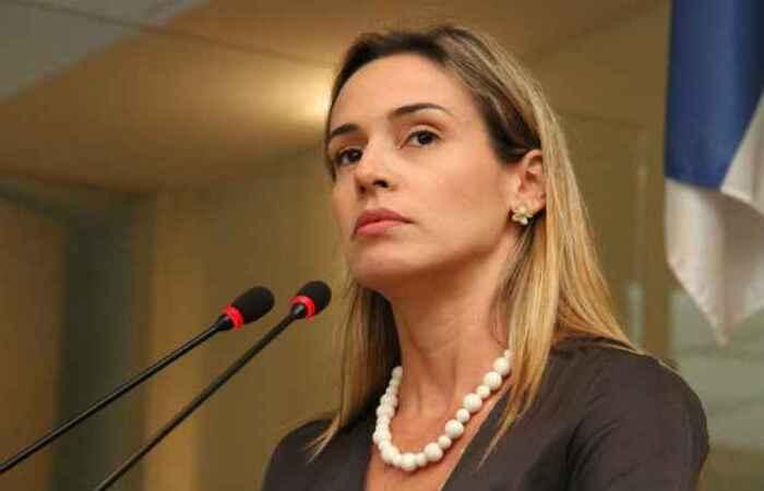Isabella de Roldão é ex-vereadora e ex-secretária de Habitação do Recife (Divulgação/ Câmara do Recife)