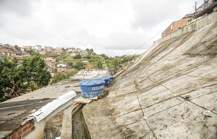 No final do mês de julho, o prefeito Geraldo Julio anunciou um investimento de R$ 30 milhões para o início de 40 novas intervenções de proteção de áreas de morro na cidade